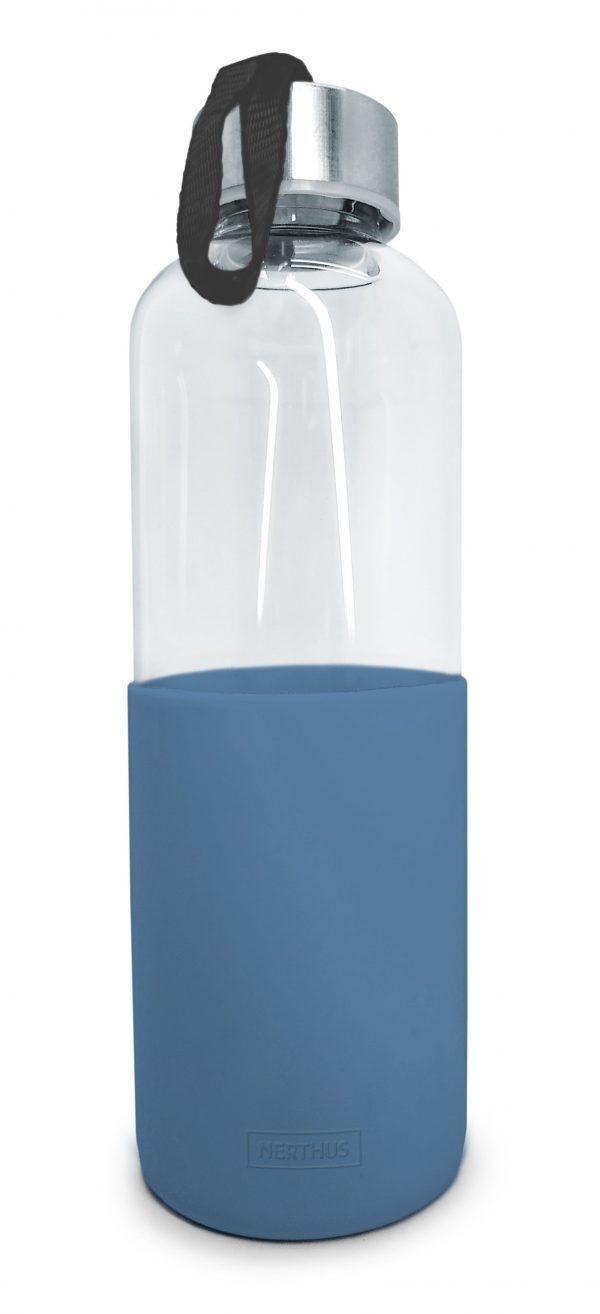 Vin Bouquet/Nerthus Стъклена бутилка за вода със силиконов протектор - 600 мл. - синя